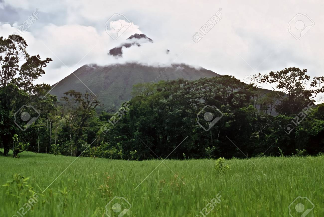 Arenal volcano in Costa Rica, Central America Stock Photo - 7220969