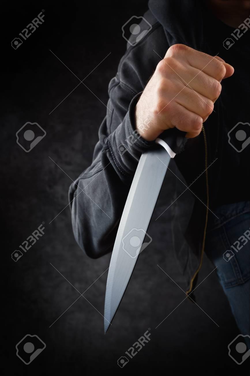 大きな鋭いナイフ準備強盗や殺人をコミットすると悪刑事 の写真素材 ...