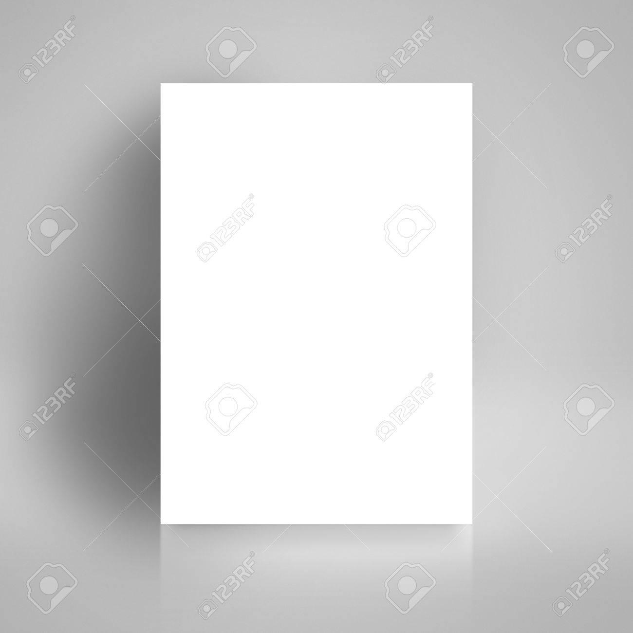 Blank White Paper Poster Stützte Sich Auf Weiße Studio-Raum-Wand Als ...