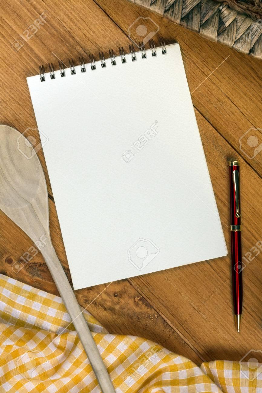 A Cooks Notepad Auf Einem Bauernhaus Küchentisch - Platz Für Text ...
