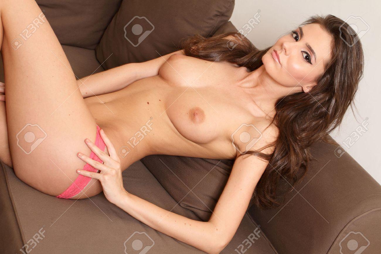 Nackt brüste frau sexy Kostenloses nackte