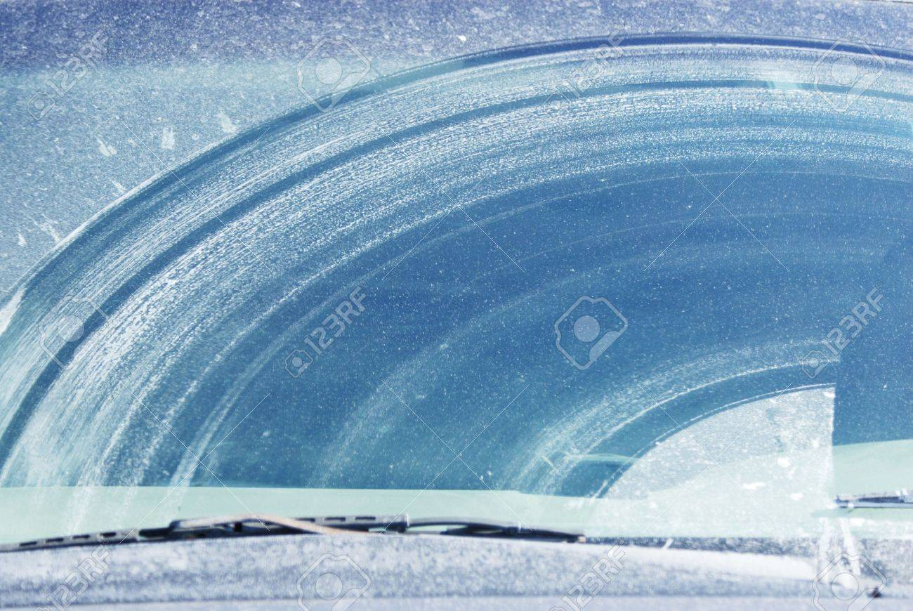Dirty Windshield in Winter Stock Photo - 7548022
