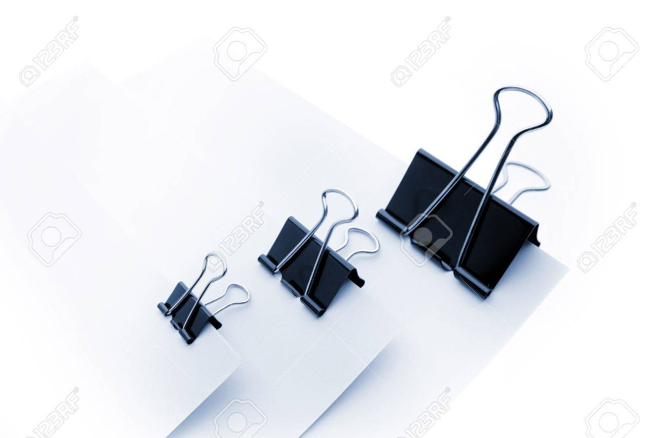 Paper clips holding blank papers Stock Photo - 12196140