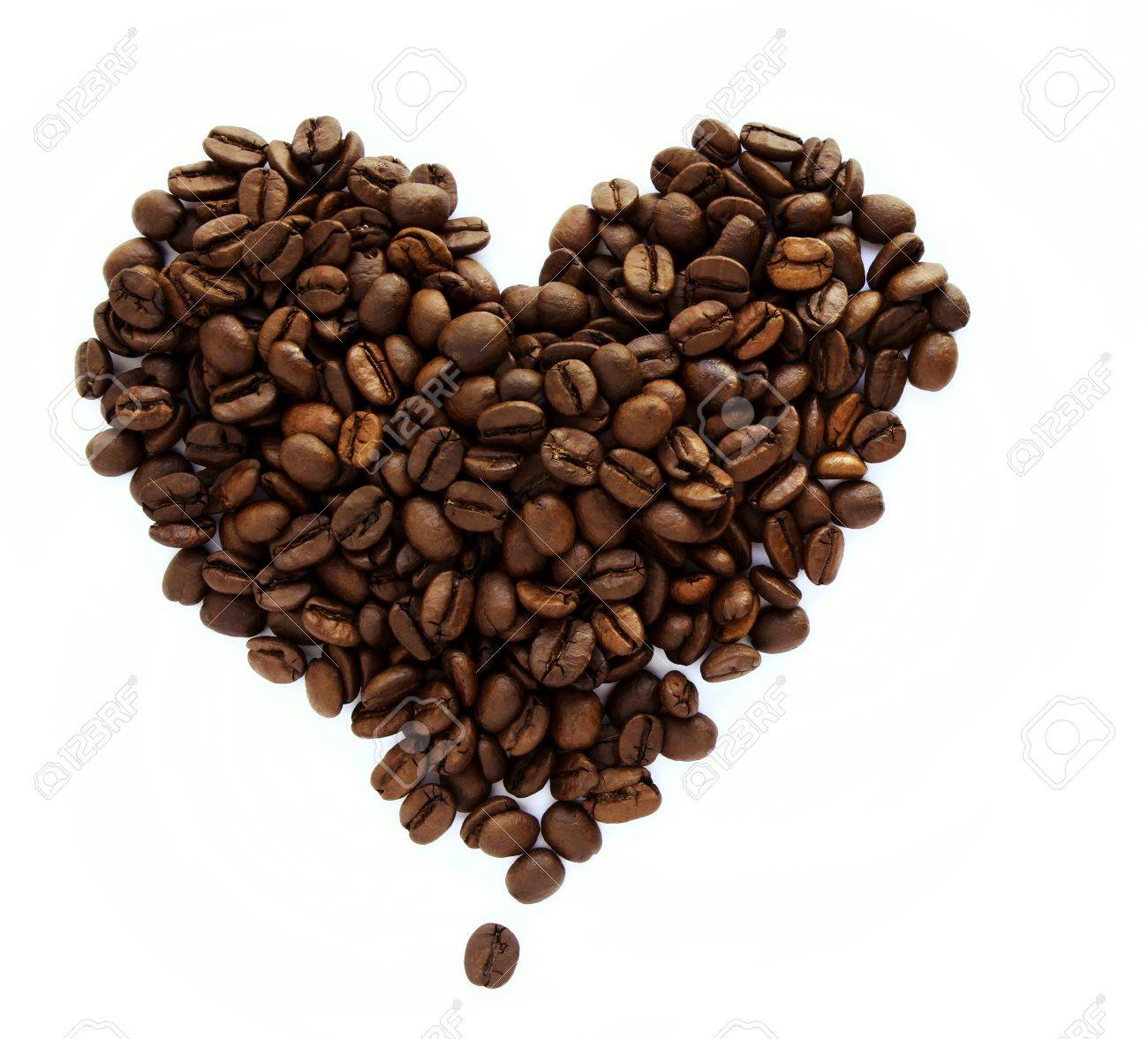 Coffee beans in shape of heart Stock Photo - 20585093