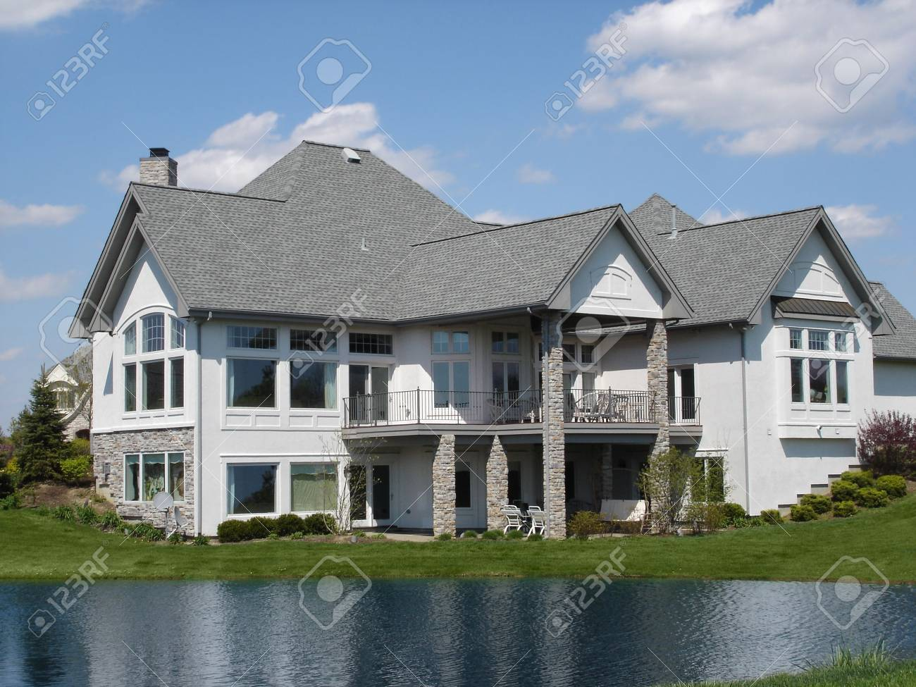 Large Home on Water Stock Photo - 3670280