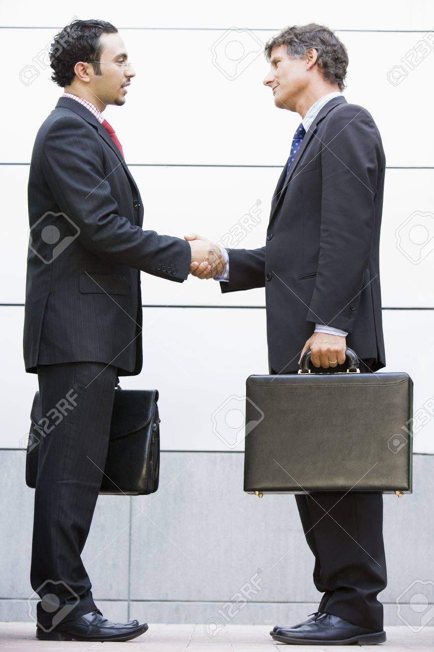 Фото бизнес леди с дипломатом 8 фотография