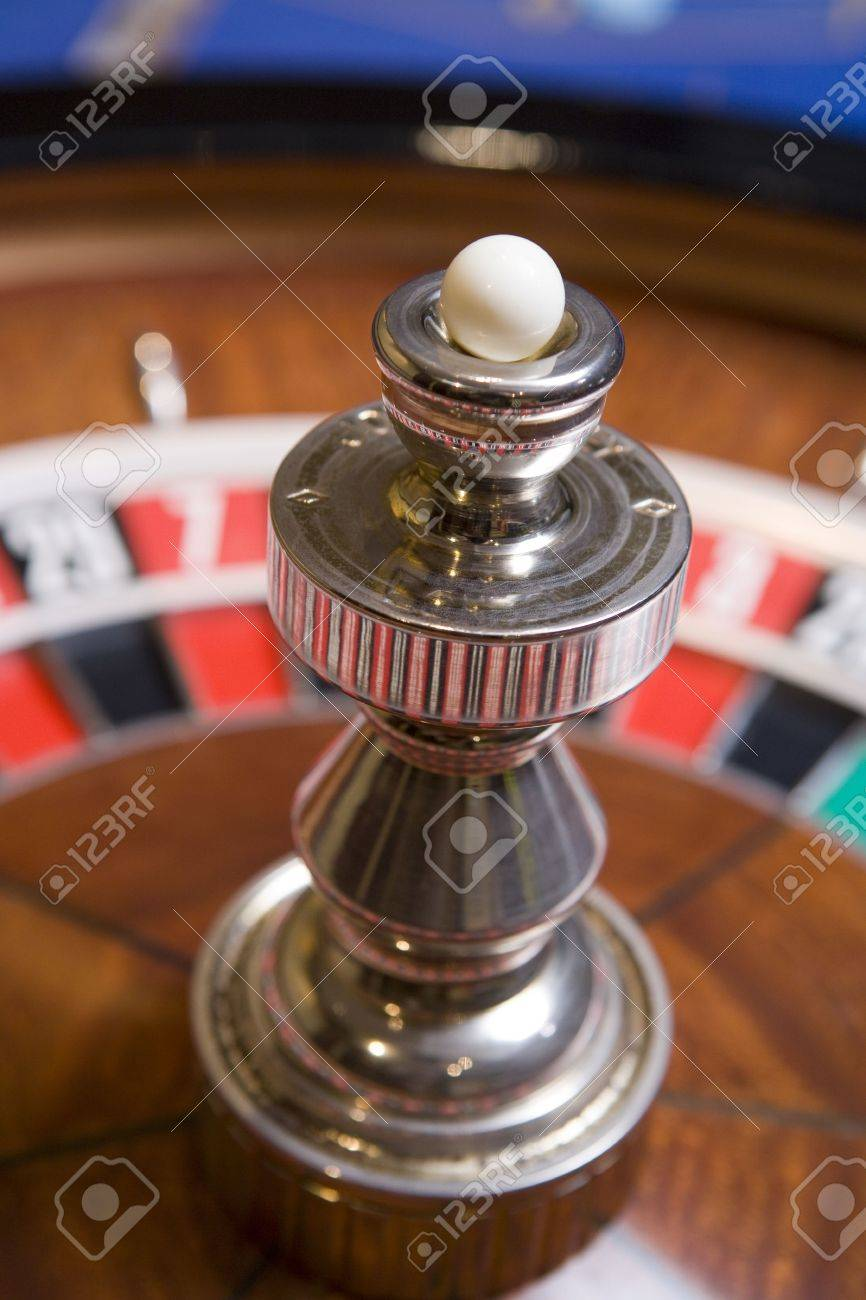 Roulette game wheel (close up) Stock Photo - 3194522