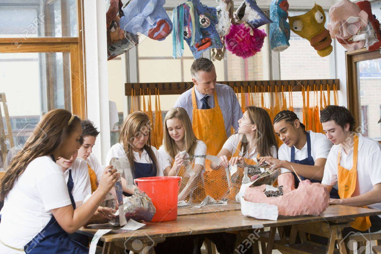 Students receiving art lessons Stock Photo - 3204415
