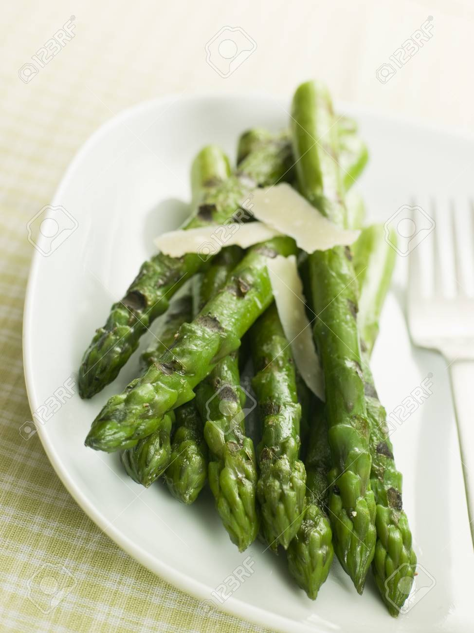 Chargrilled Asparagus Spears with Parmesan Cheese Shaves Stock Photo - 3181298
