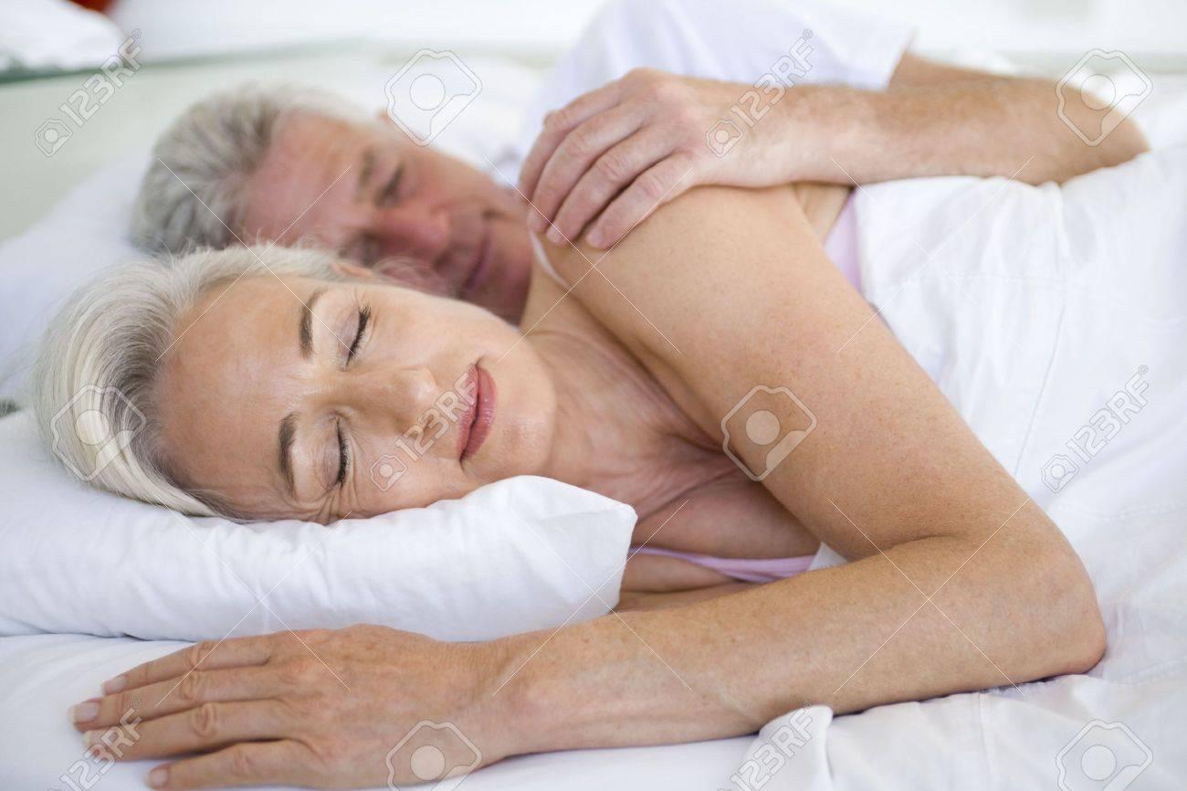 Camas Para Dormir Amazing Camas Para Dormir With Camas Para  ~ Orientaciã³n De La Cama Para Dormir Bien