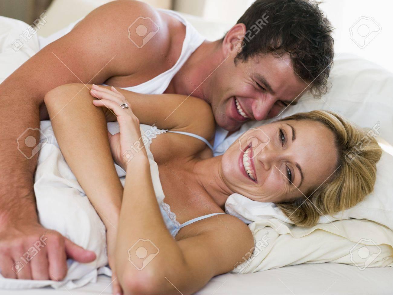 Фото жон в постели 9 фотография
