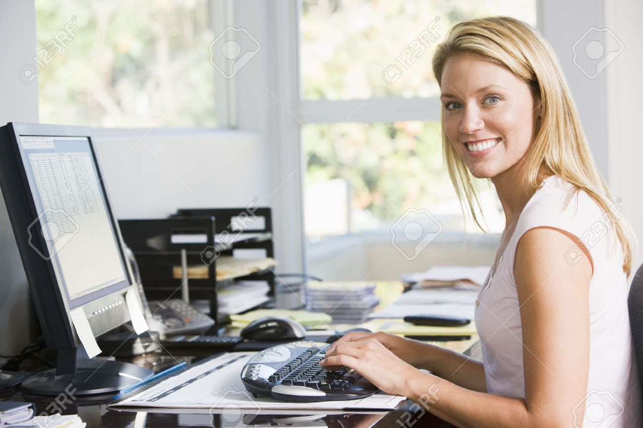 Чем занимаются девушки в офисе 22 фотография