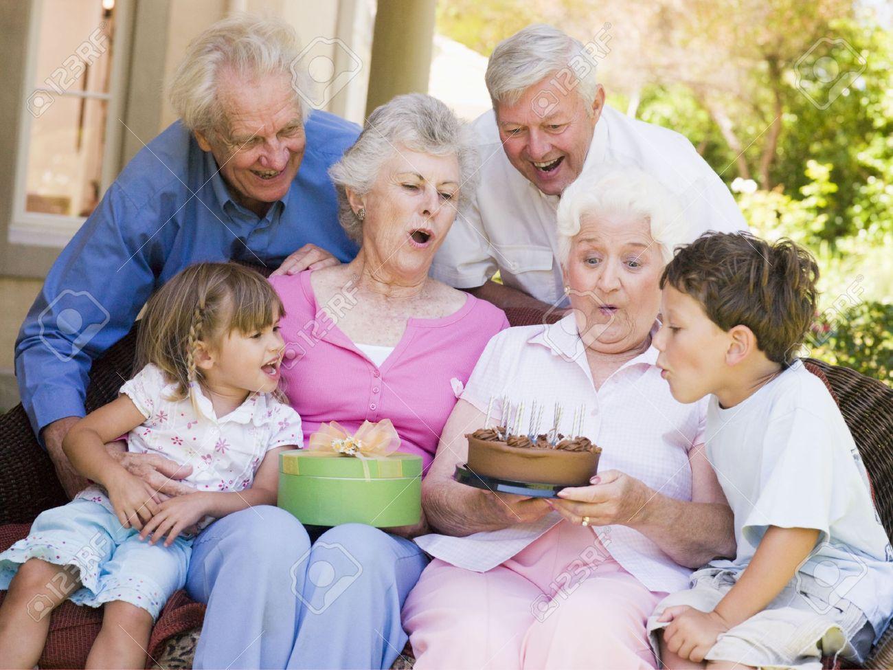 Реальное бабушка и внук 24 фотография