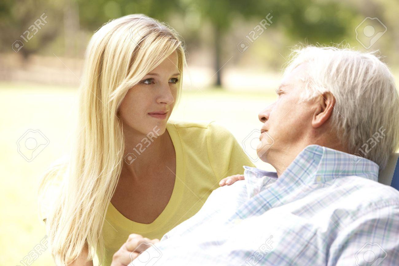 Секс старика и девочек 19 фотография