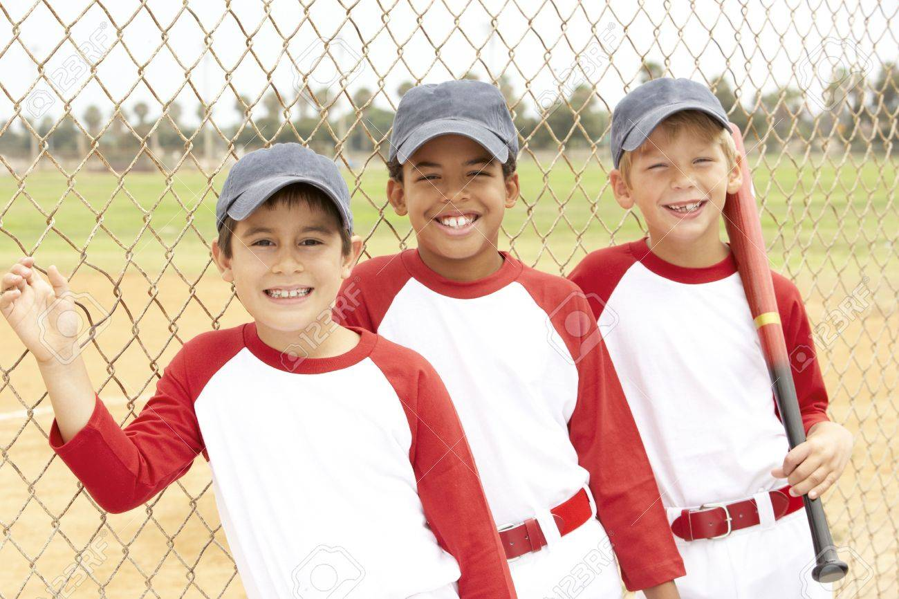 Young Boys In Baseball Team - 6456290