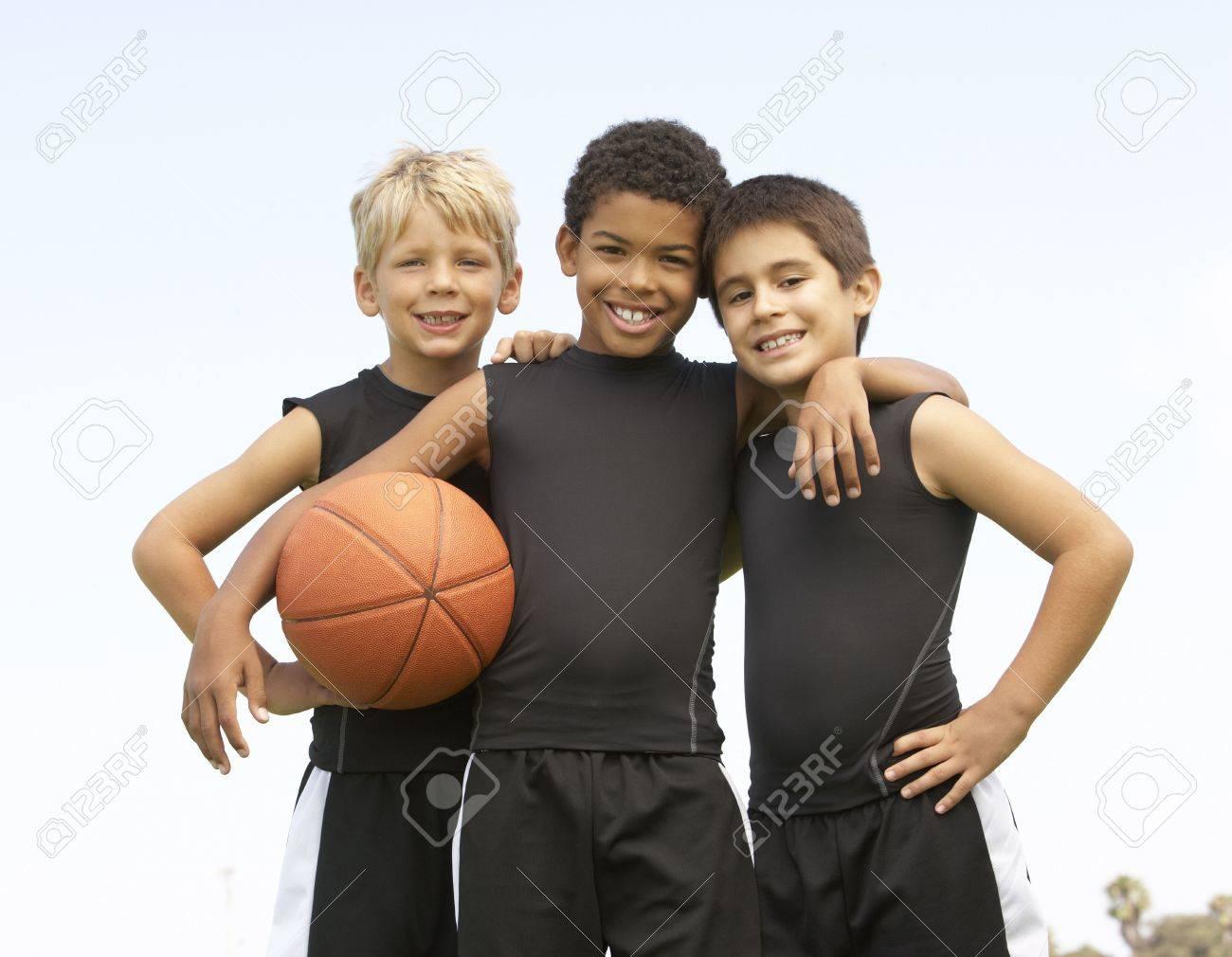 Young Boy Playing Basketball Stock Photo - 6453700