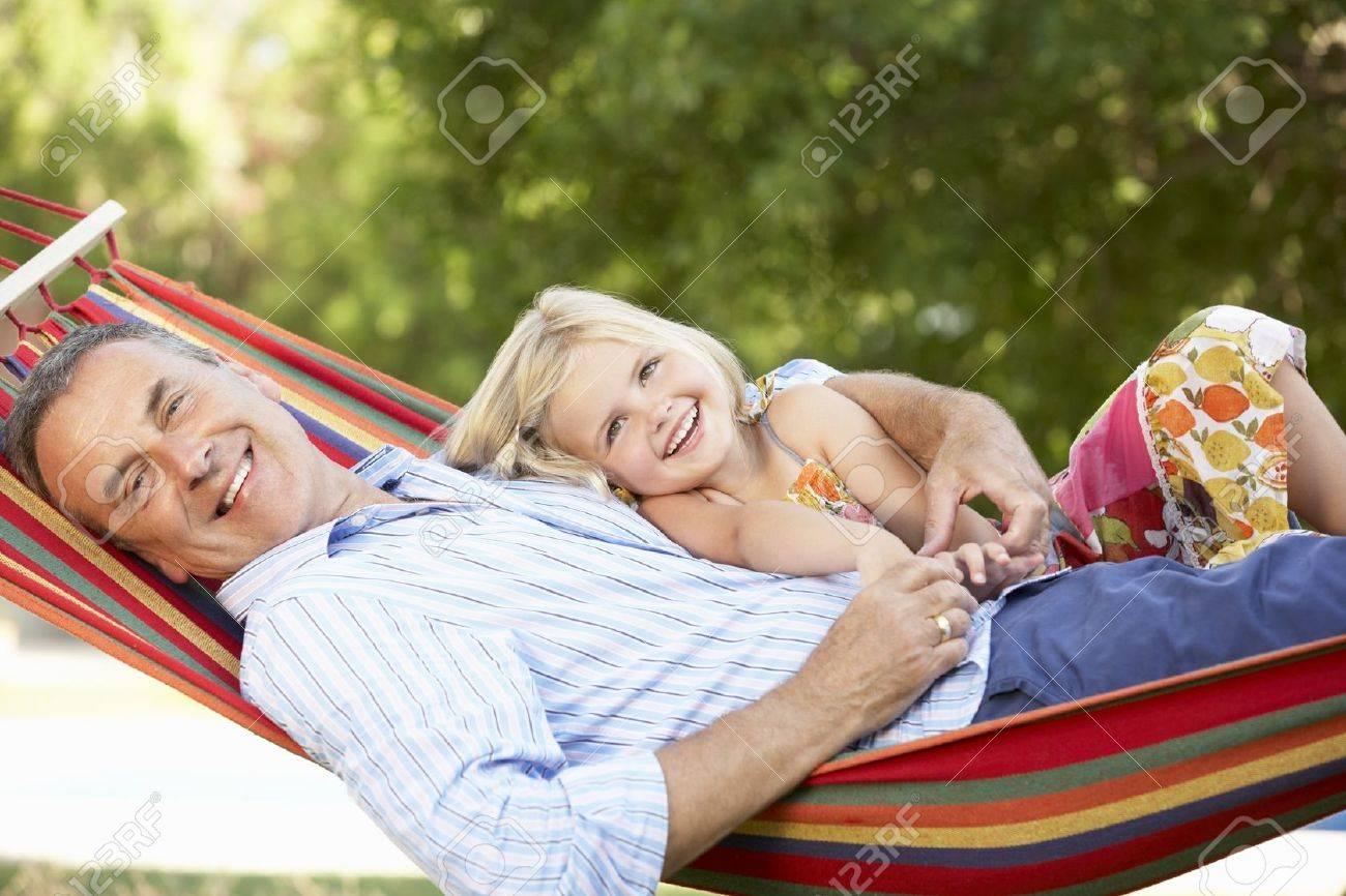 Смотреть дедушка с внучкой 27 фотография