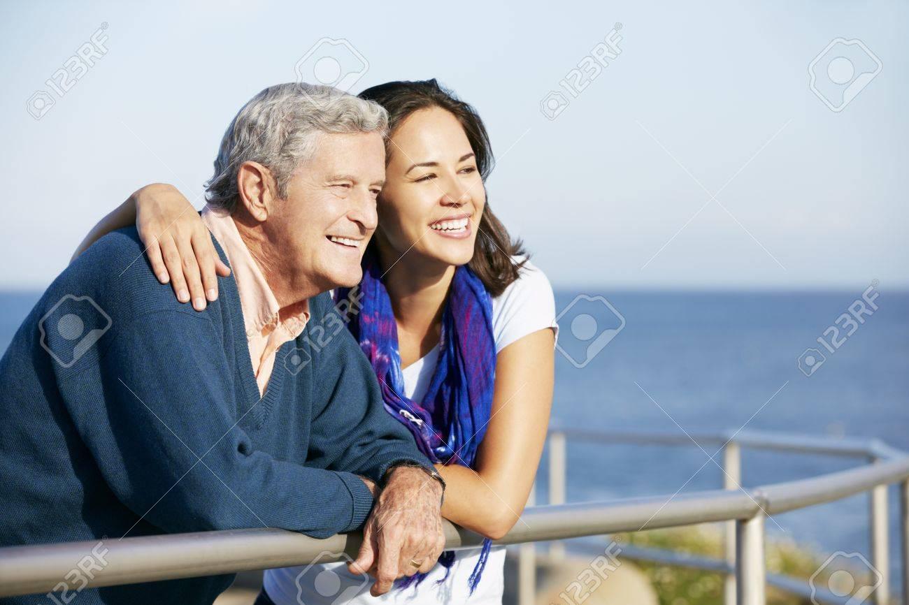 Фото дочери с отцом смотрит 24 фотография