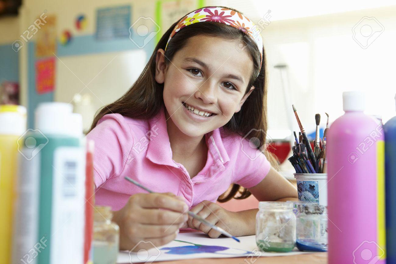 Pre teen girl in art class Stock Photo - 33603942