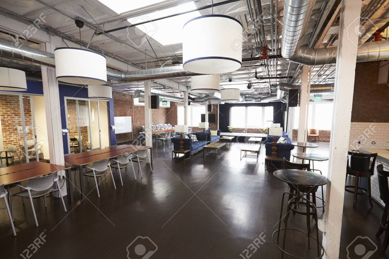 Interior Of Modern Design Office With No People Standard-Bild - 71273373