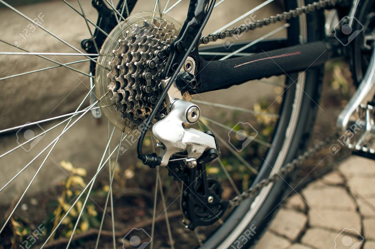 Bicycle derailleur - 34274031