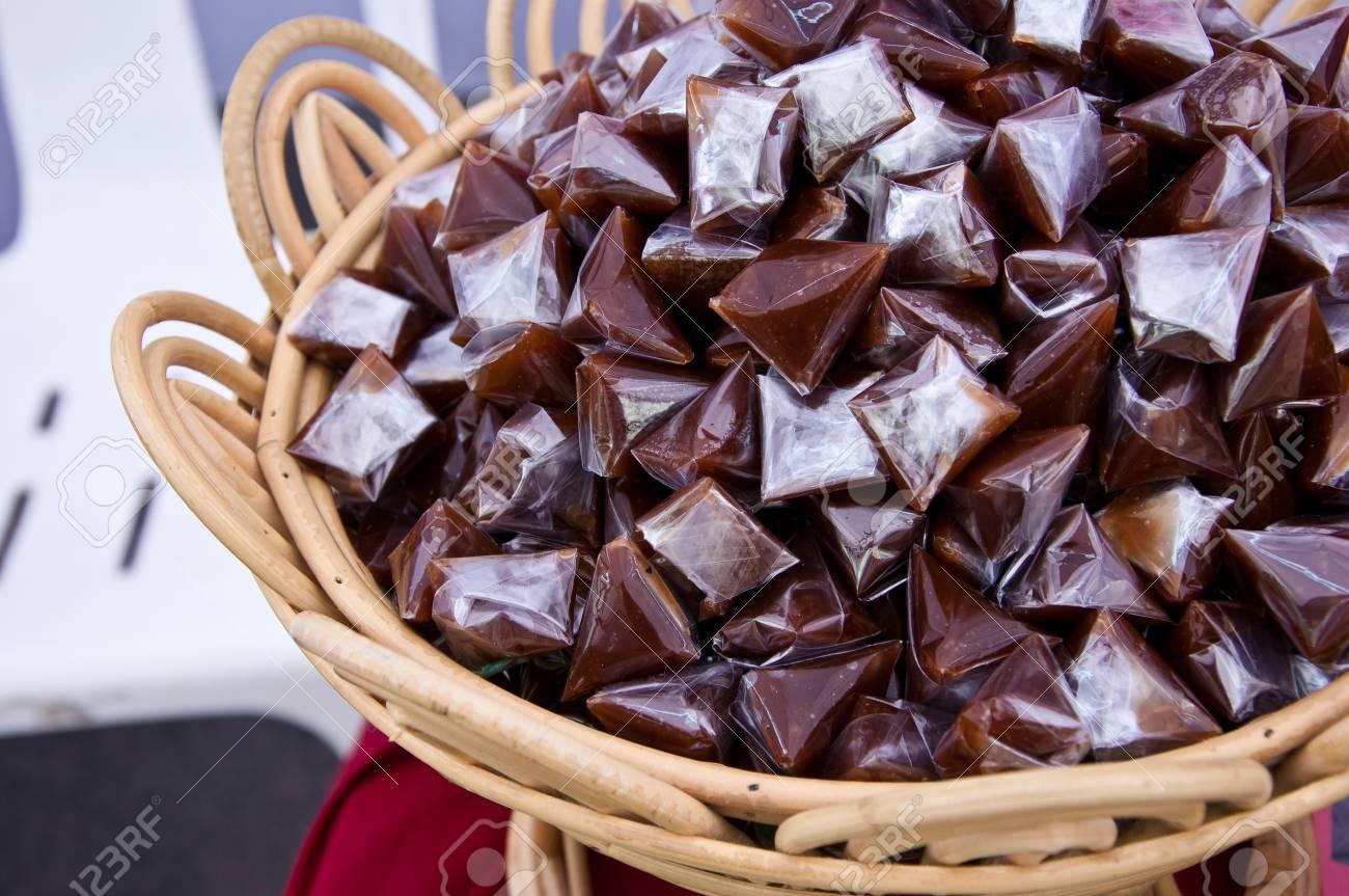 Bown thai sticky dessert Stock Photo - 10777719
