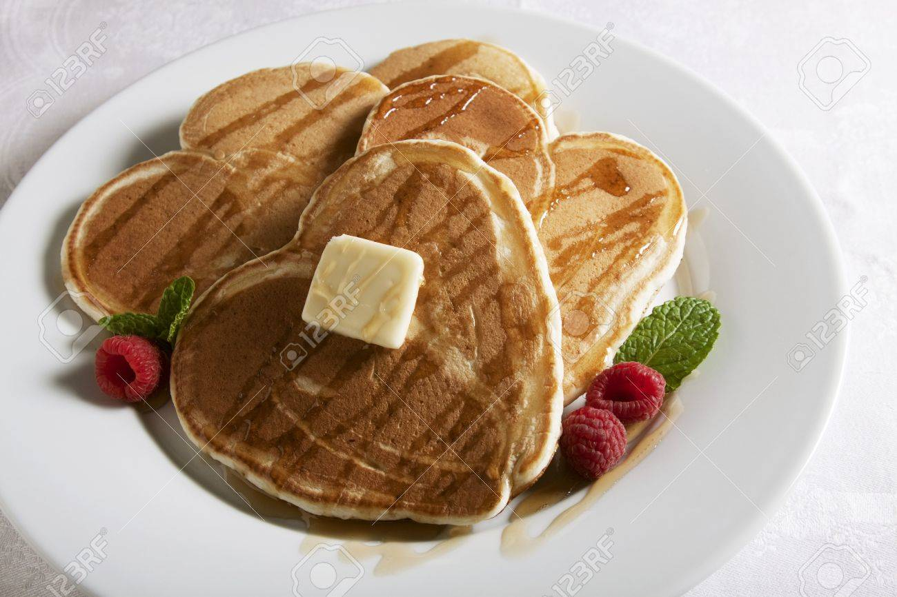 [Image: 32389338-Heart-Shaped-Pancakes-with-Mapl...-Photo.jpg]