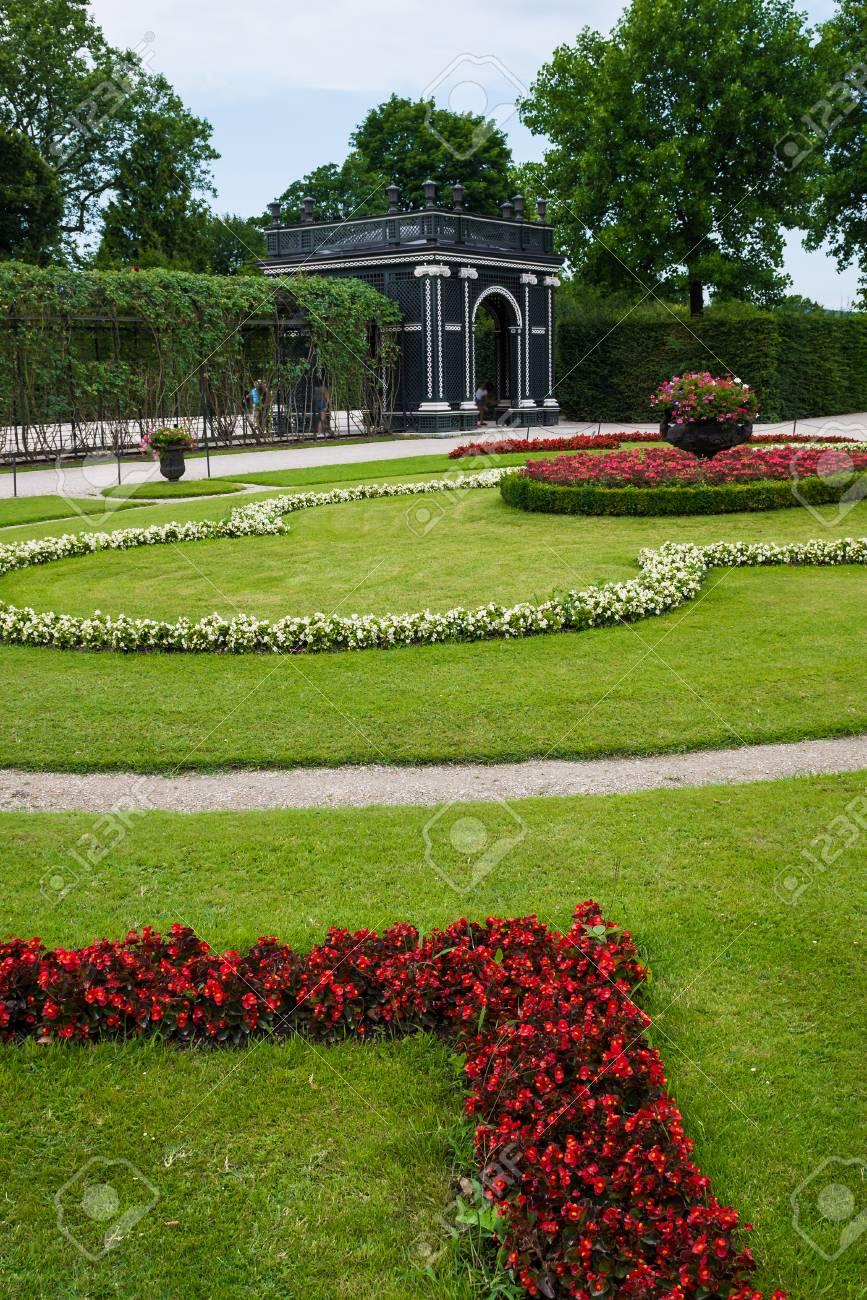 Schloss Schuenbrunn Foto Der Schönen Gärten Wien österreich