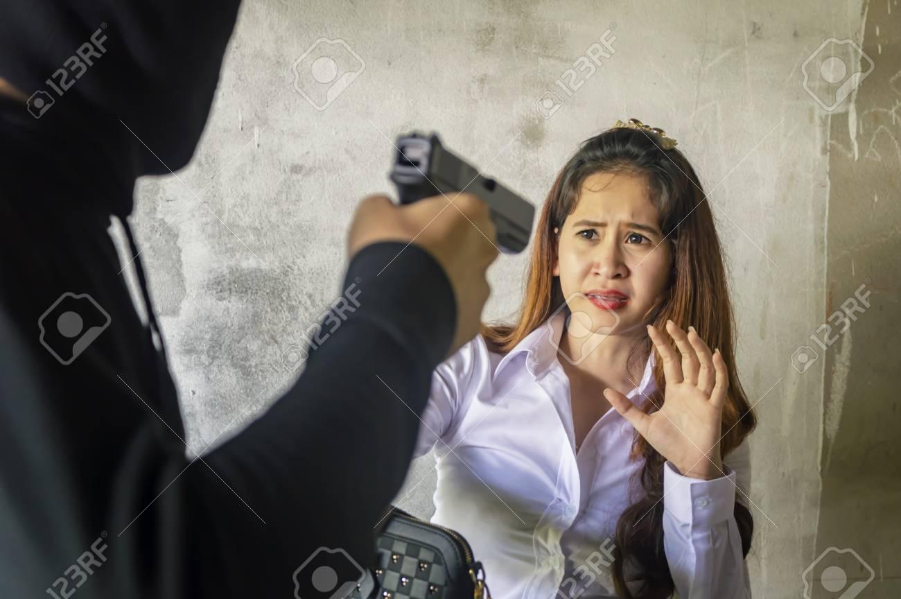 Азиаты грабеж