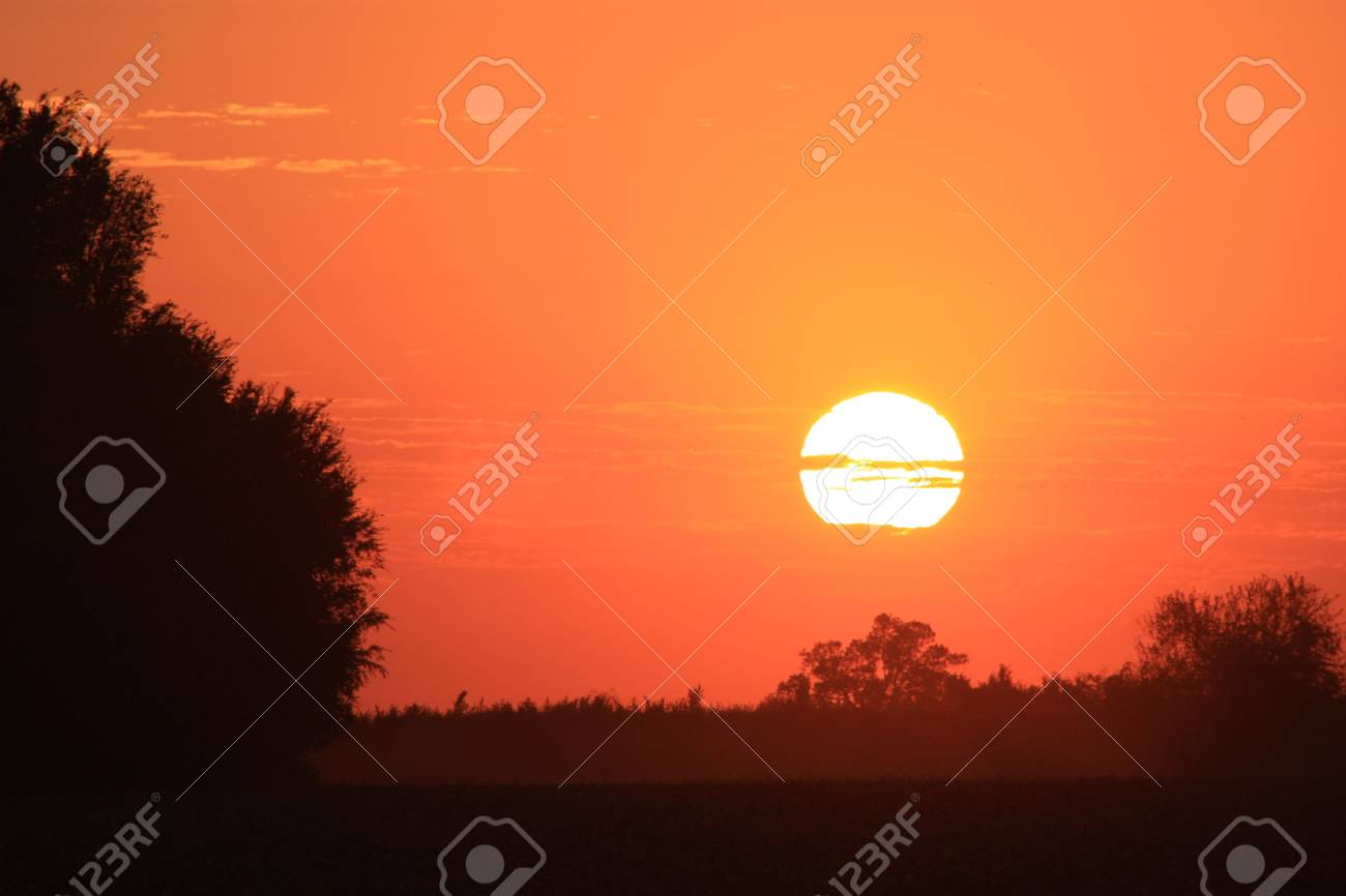 Bright Orange Country Sunset Stock Photo - 7870571