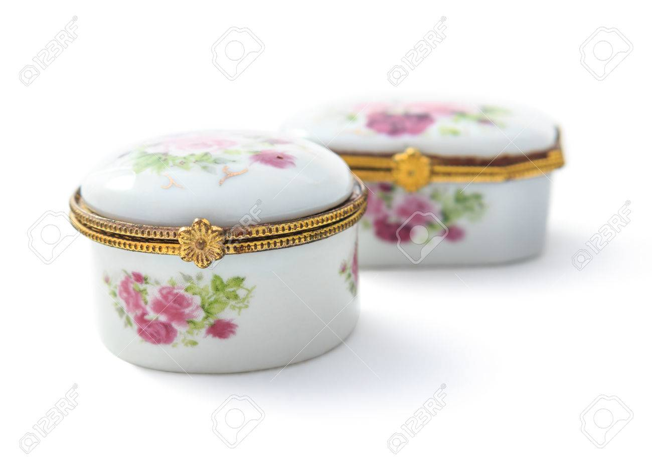 Vintage small ceramic jewelry box or porcelain China Mainland..