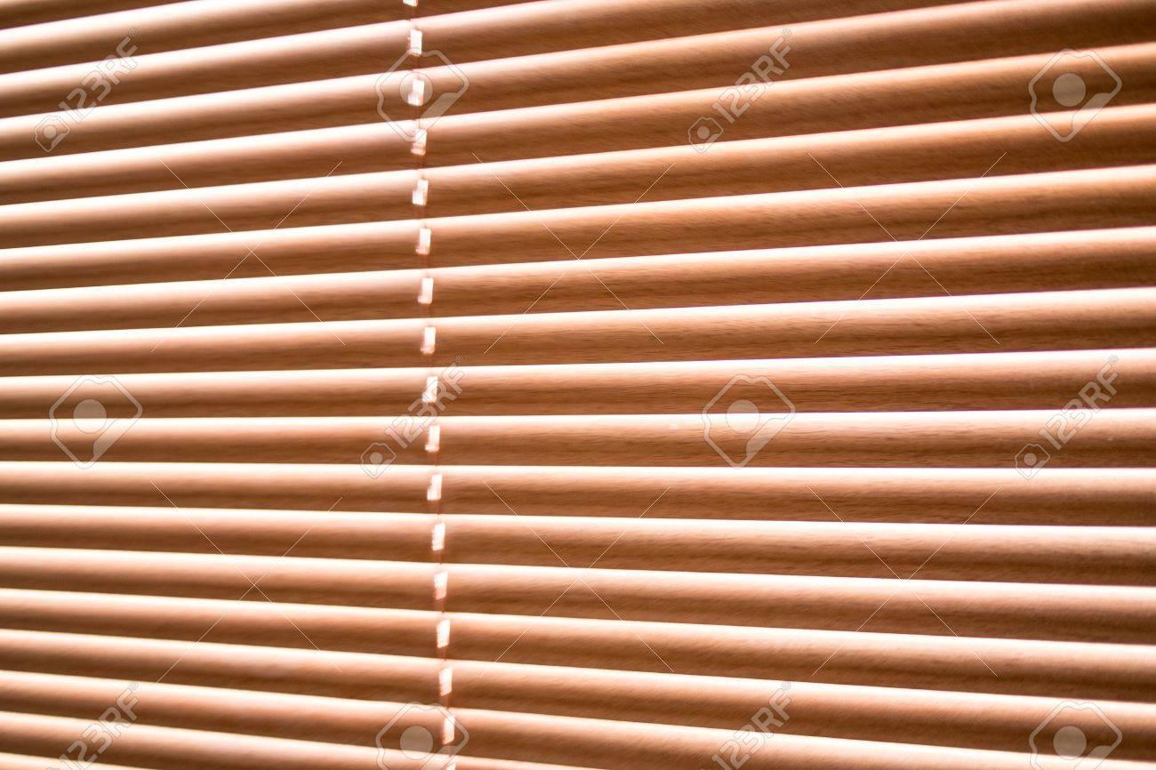 Bois Fenêtre à Jalousie Moderne Horizontal Banque Dimages Et Photos