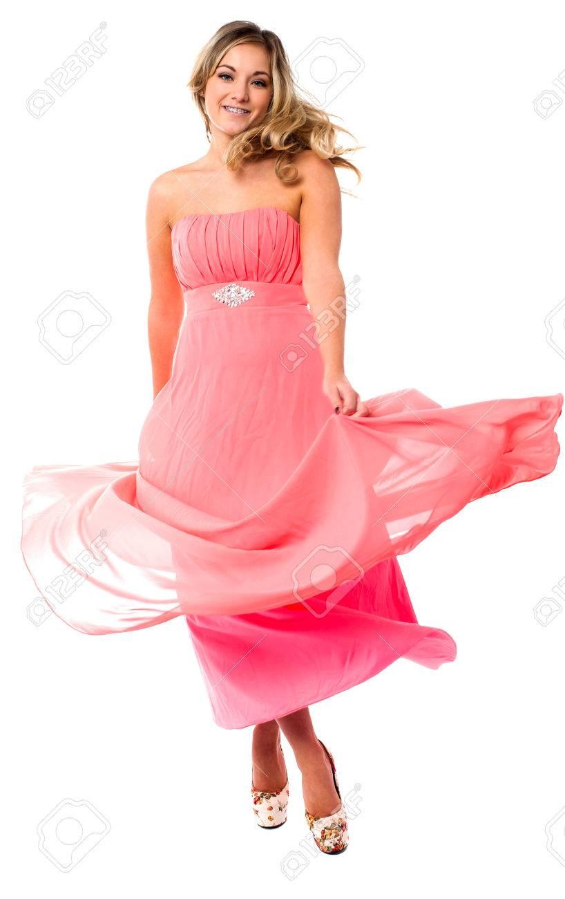 Excelente Vestido De Fiesta Escena Ilustración - Colección de ...