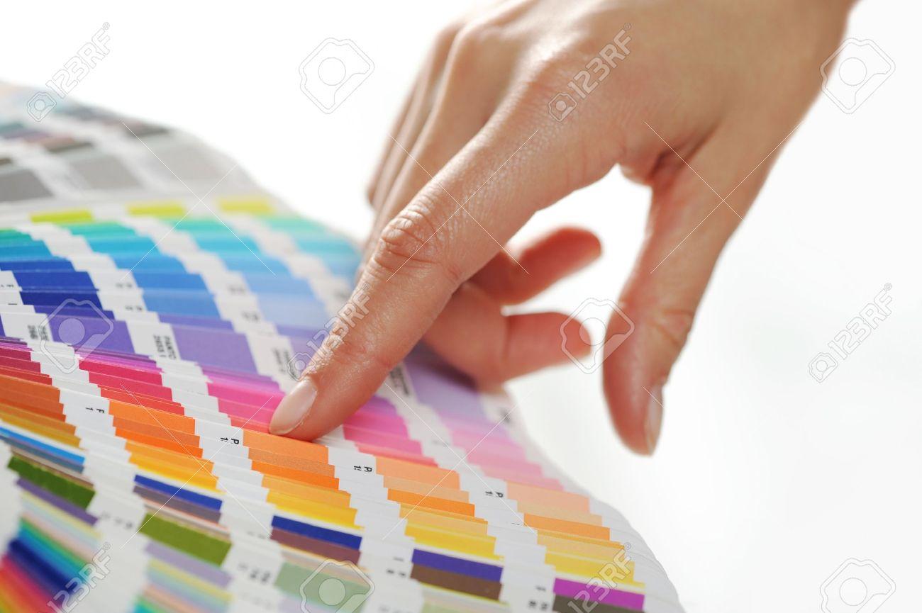 elección de una mujer de color de escala de colores fotos
