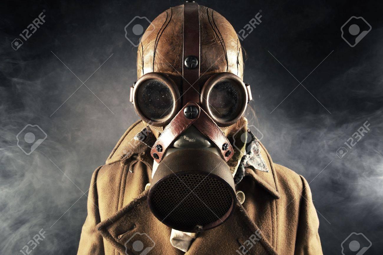 grunge portrait man in gas mask Stock Photo - 11913445