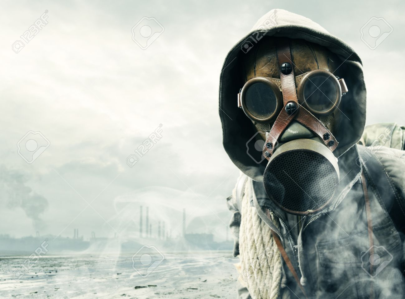 Environmental disaster. Post apocalyptic survivor in gas mask Stock Photo - 17799565