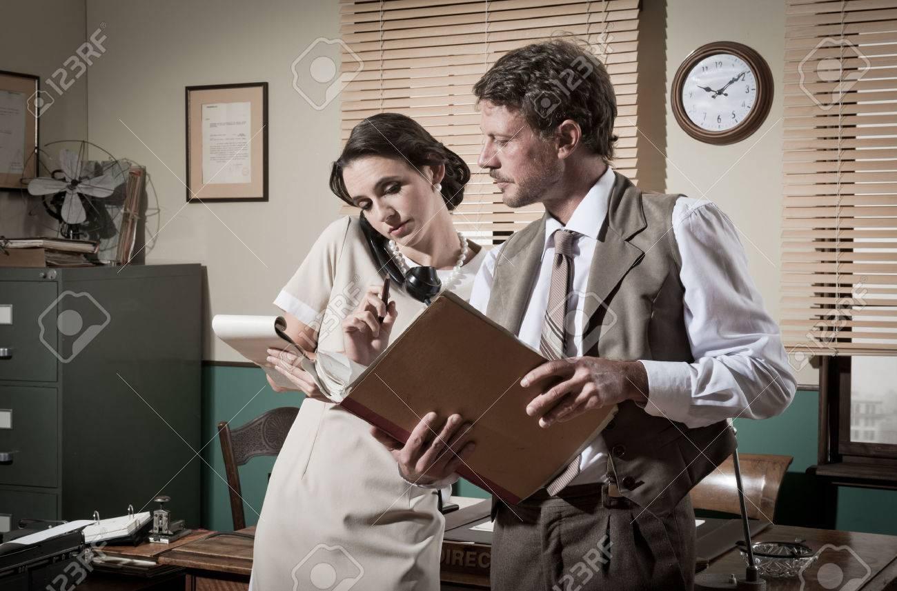 Секретарши работают сверхурочно смотреть онлайн 5 фотография