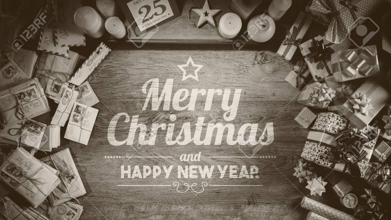 Sankt Hölzerne Weihnachts Desktop Mit Geschenken, Briefen Und ...
