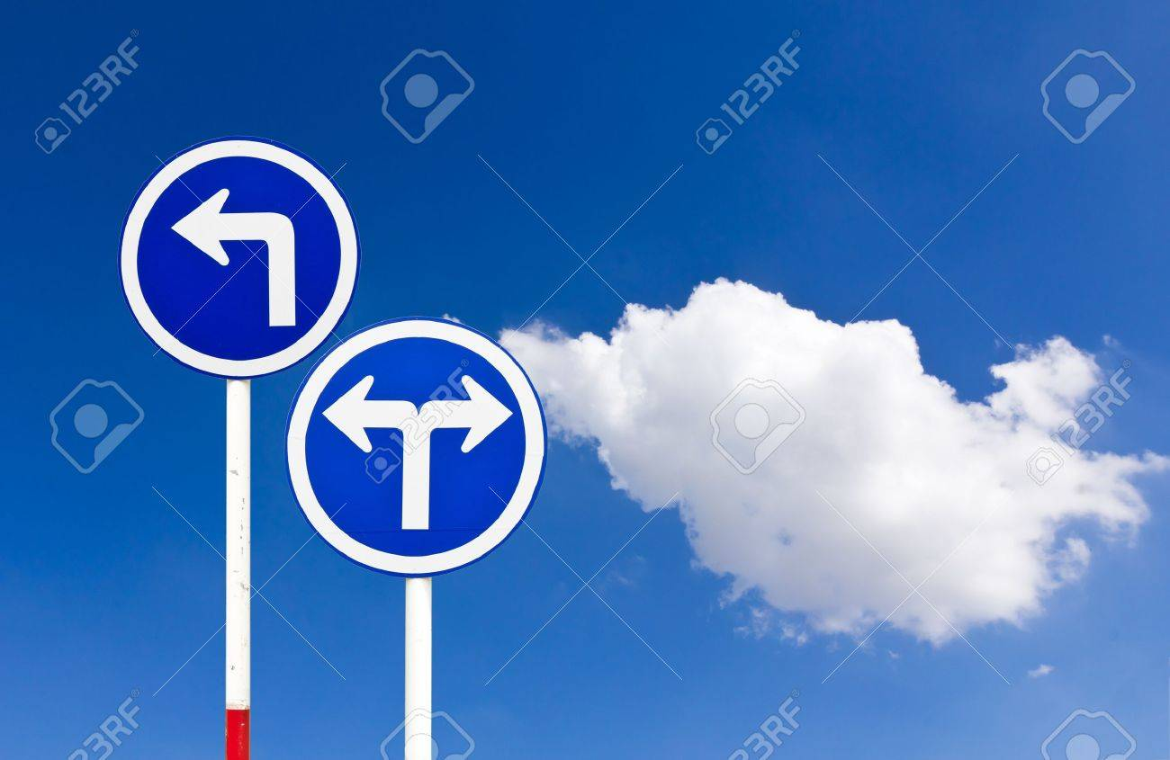Curved Road Traffic Sign over blue sky,turn left Stock Photo - 11076035