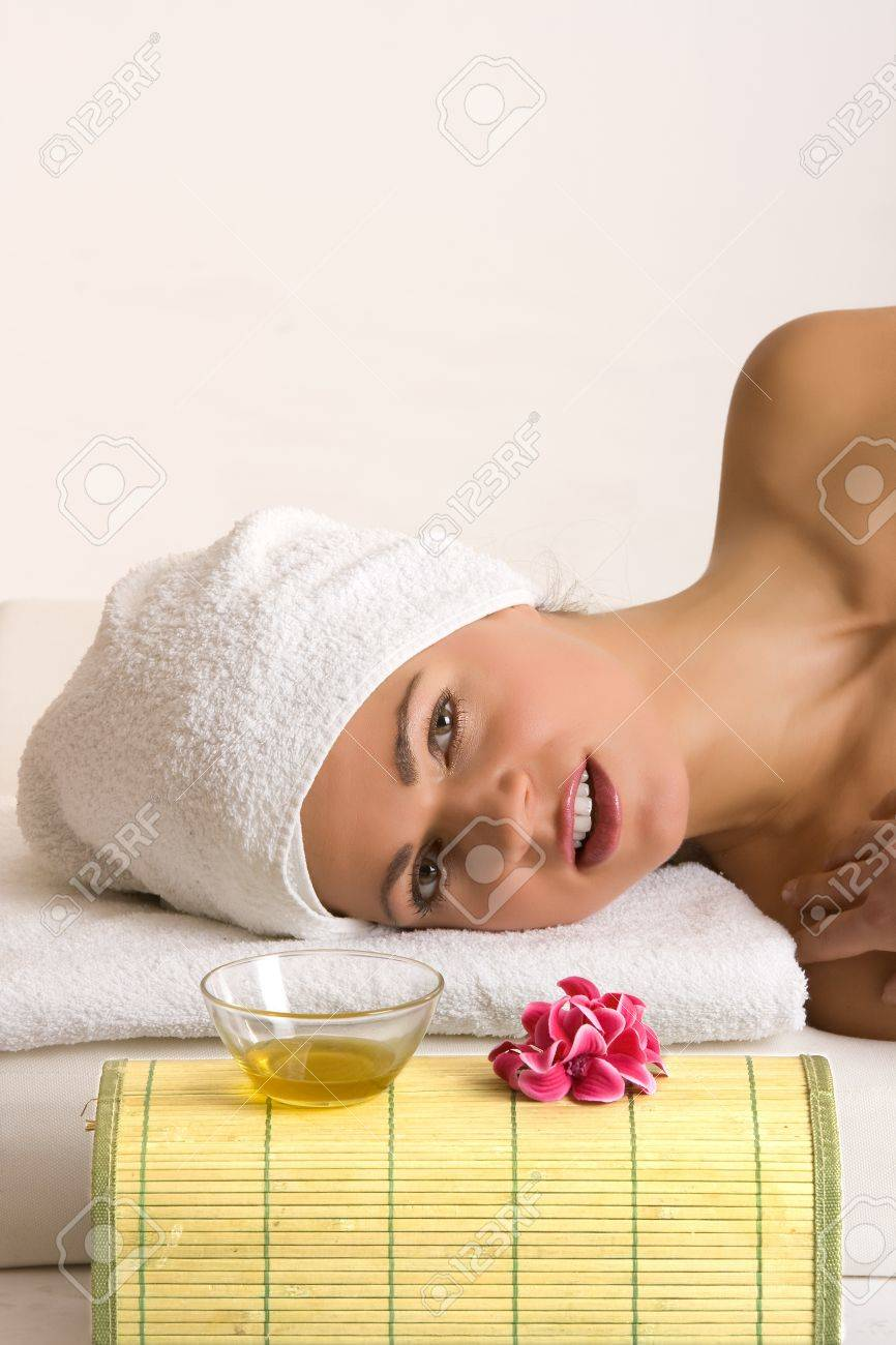 young woman relaxing in the beauty farm Stock Photo - 11412803