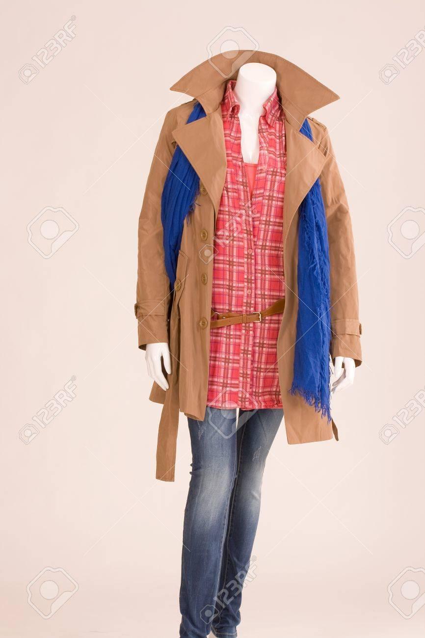 Pantalones Vestido Una Con Bufanda Maniquí Y Blusa Chaqueta nwF0qUUdf