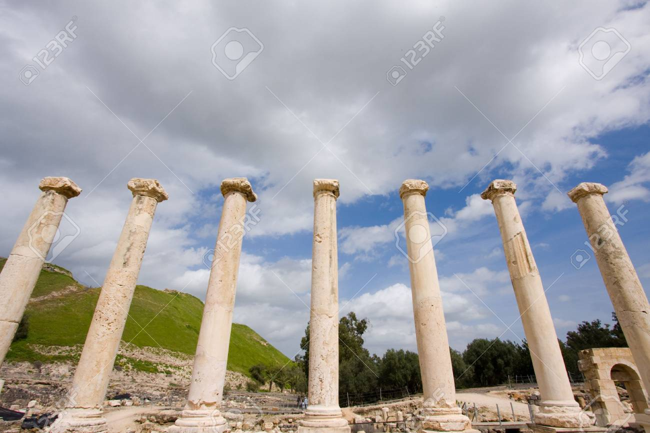 fragment of ancient city Beit She Stock Photo - 13705400