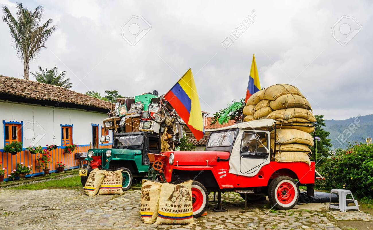 Willy jeeps in the village of Salneto next to the valley of Salento in Colombia on 21th March 2019 - 142308862