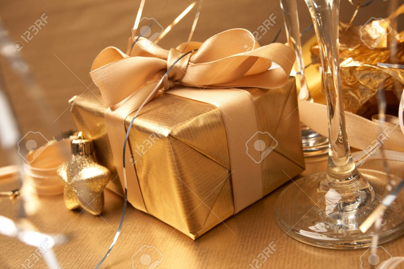 Champagne and gift Stock Photo - 8221474