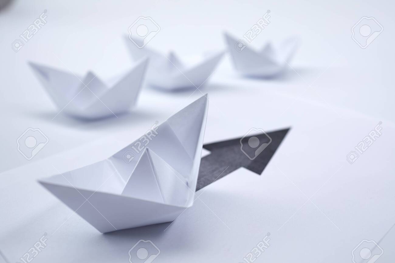 paper boats - 135061447