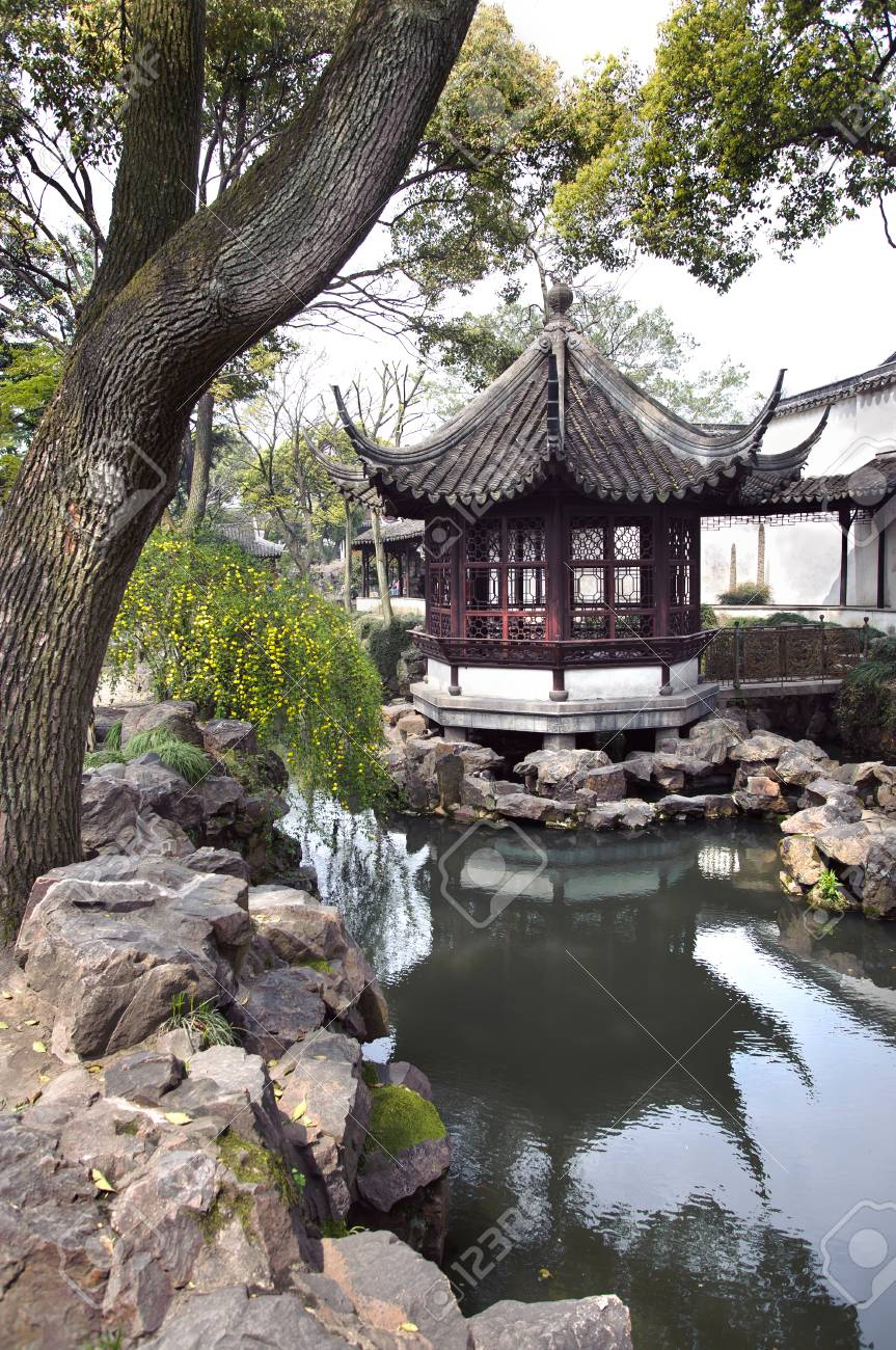 Pavilion In The Humble Administrator S Garden Suzhou China Stock