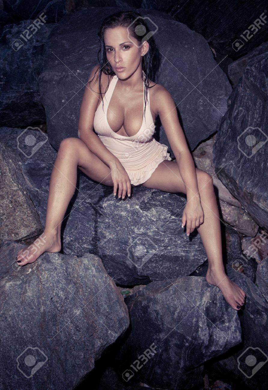 Frauen nackt mit gespreitzten beinen