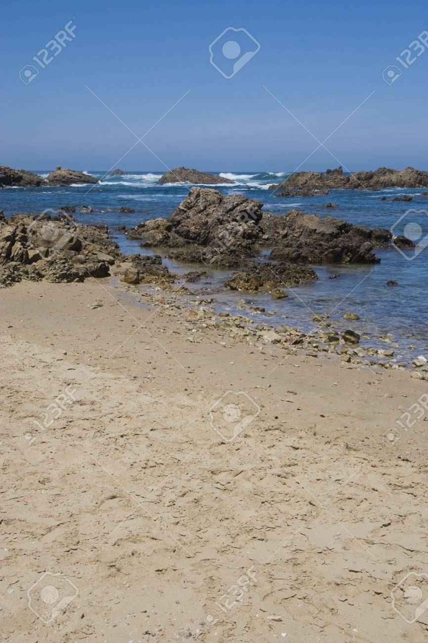 Rocky coastline of the Eastern Cape, South Africa Stock Photo - 6449937