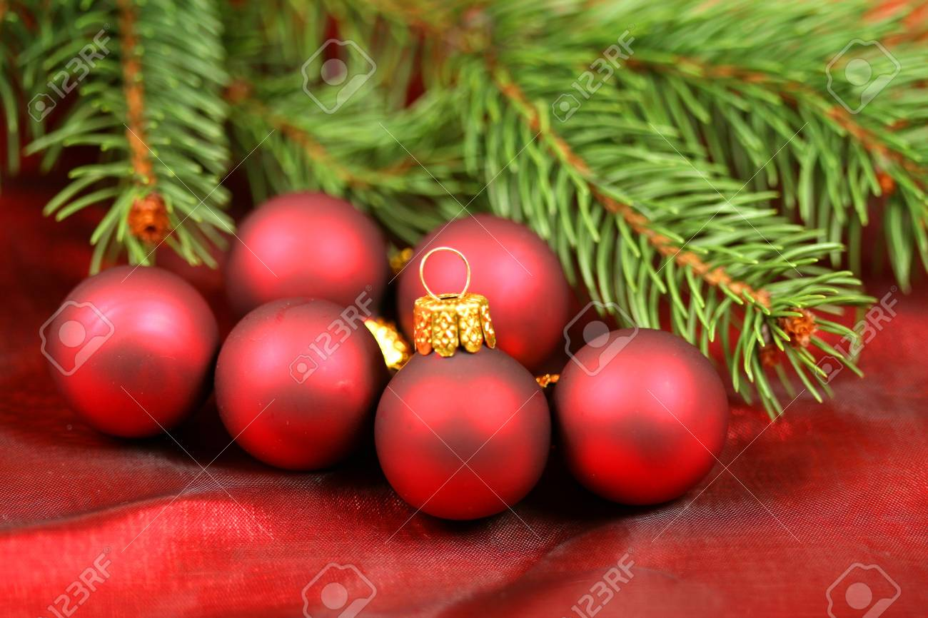 Christmas red baubles decoration with shallow focus Stock Photo - 8418171