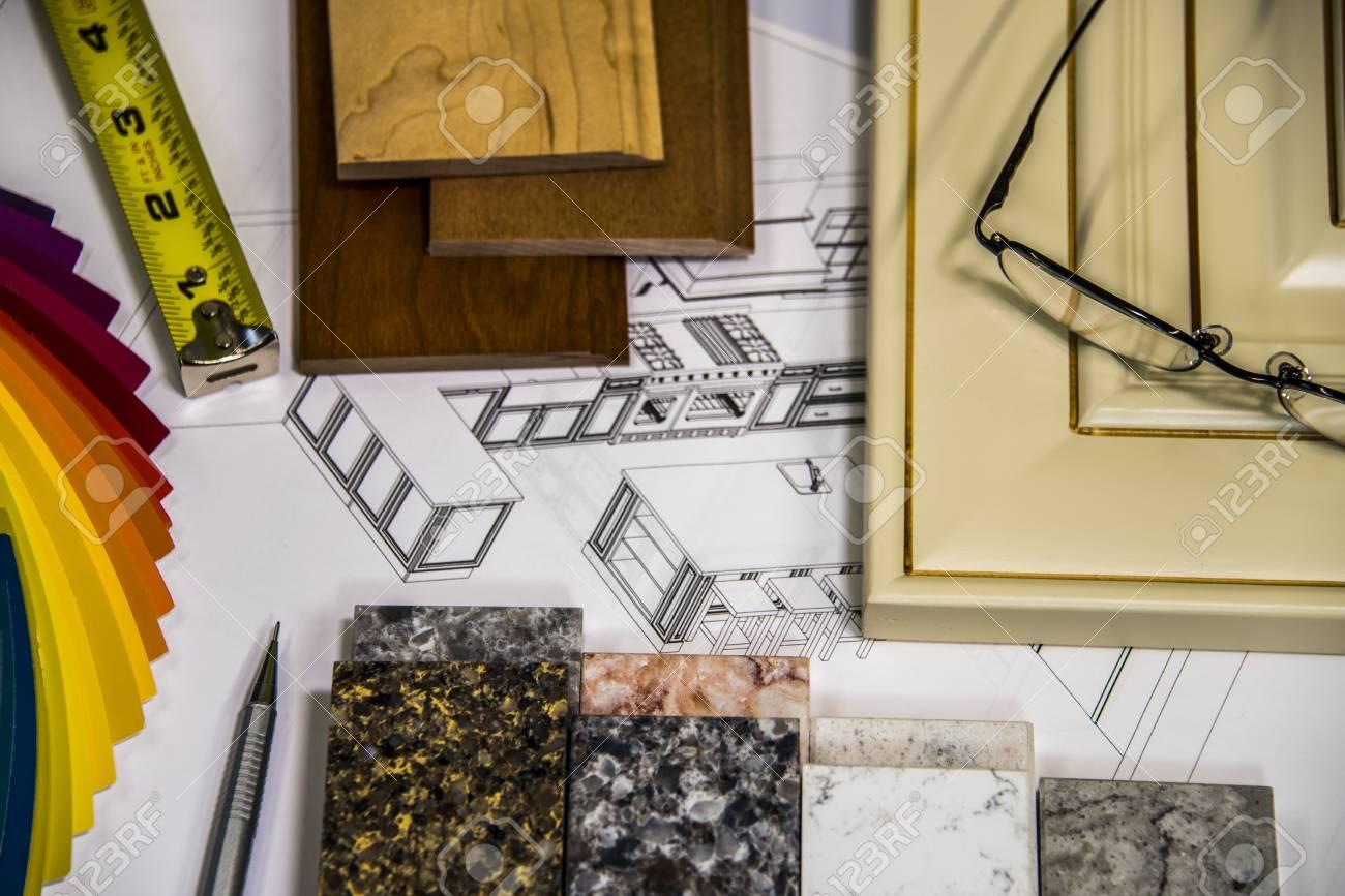 Home-Umbau Von Gegenständen. Küchentüren, Küchenschränke ...